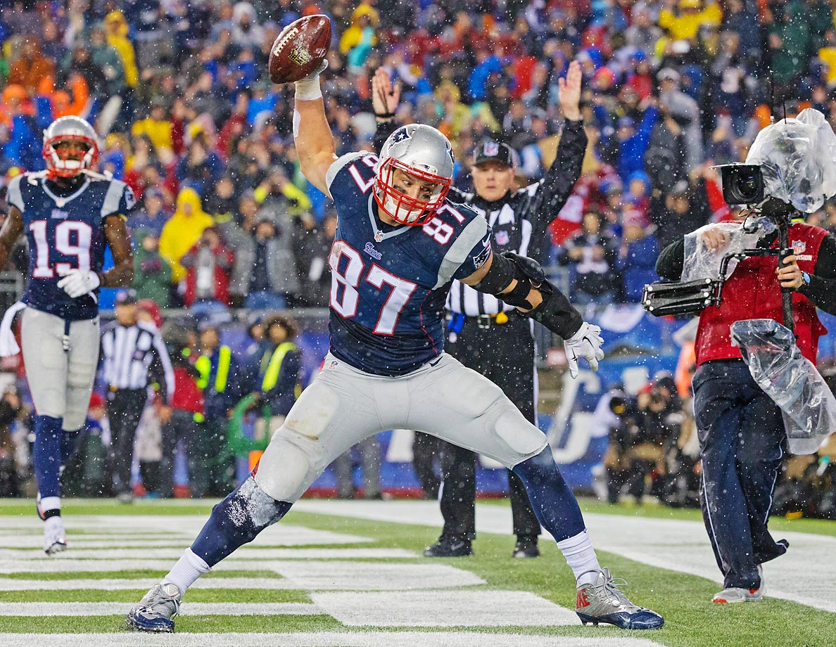 New England Patriots tight end Rob Gronkowski (87) celebrates his touchdown catch against the Indianapolis Colts.