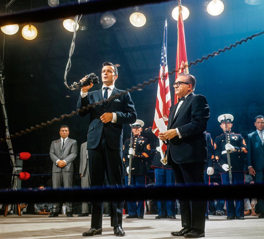 Canadian crooner Robert Goulet famously mangled the national anthem.