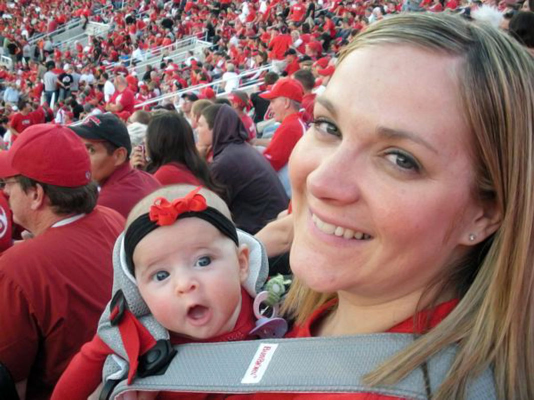 @SInow #KeepGoodGoing My princess Grace with her beautiful mother Diane! #UtahUteFootball #GoUtes #1Mom #CuteUtes