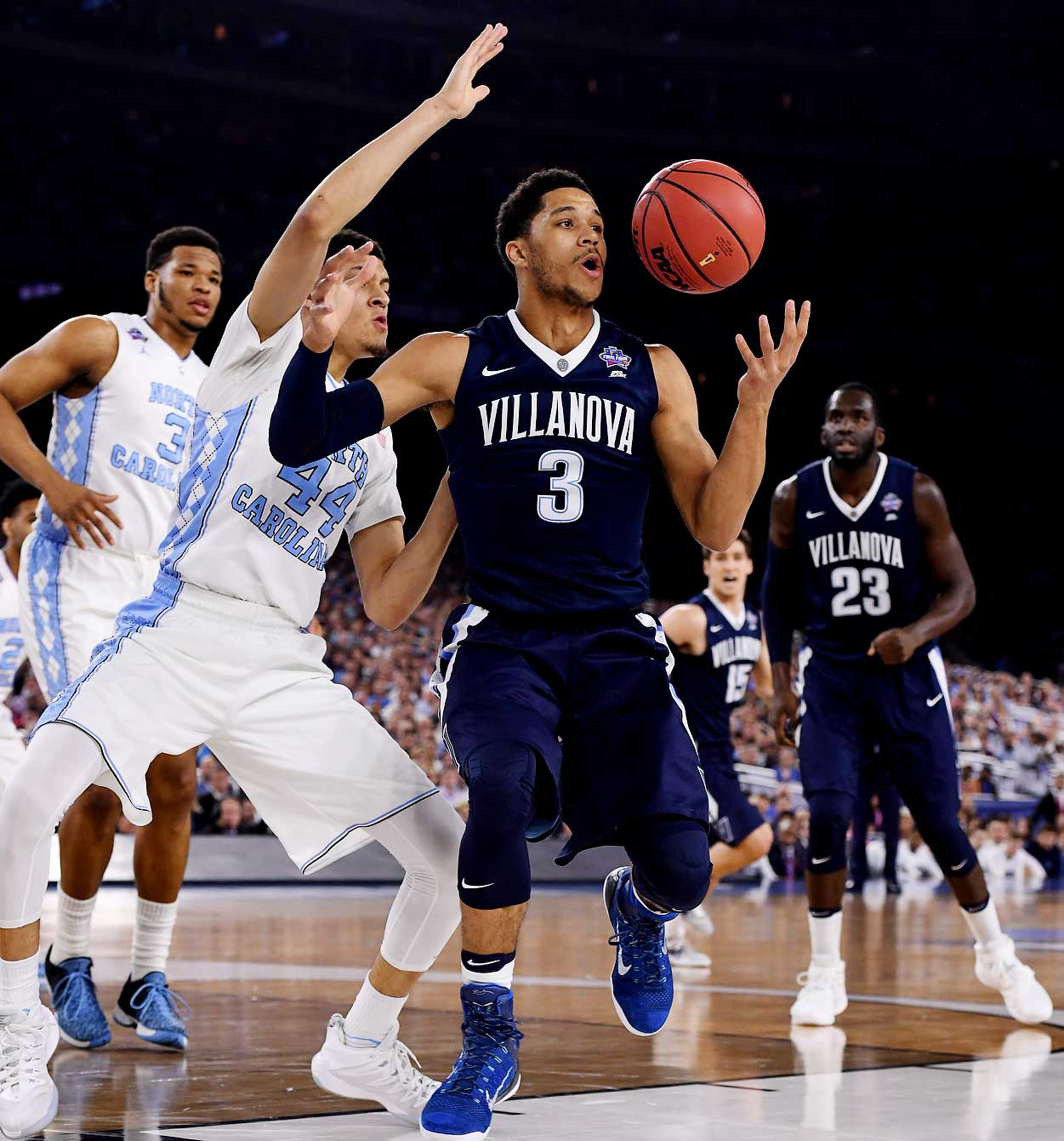 Josh Hart keeps his eye on the ball as Villanova improved its record to 35-5, capped by a national title.