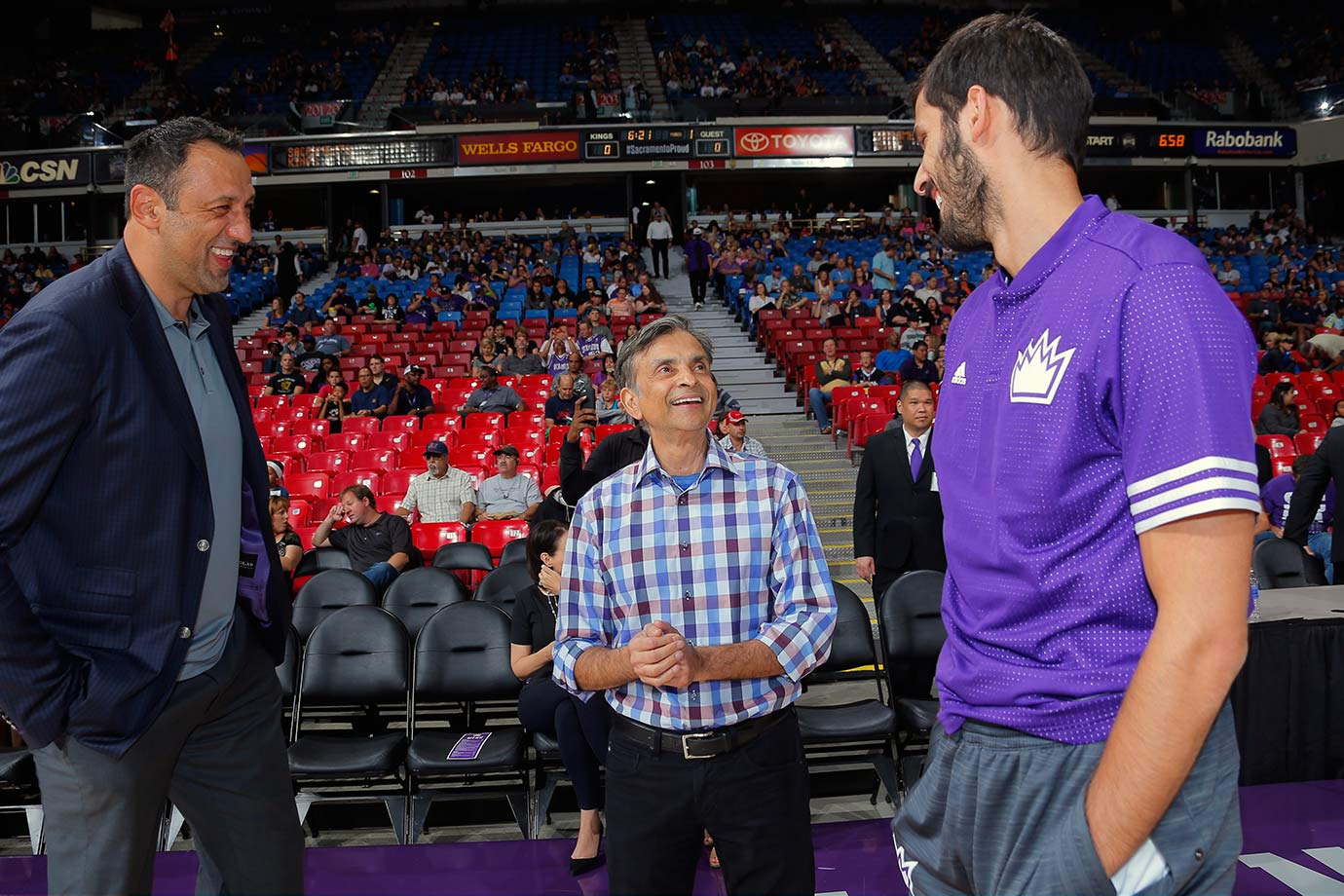 If the government is worried about daily fantasy sites taking advantage of an unsuspecting public, just hand DraftKings over to Vivek Ranadive and have him run the company into the ground.