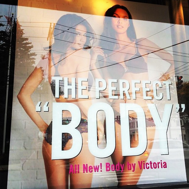 This just made my day (maybe my all week) my first @victoriassecret window! And couldn't be happier than sharing it with my friend @laisribeiro16 @alikavoussi @thelionsny @ed_razek @jamesmacari