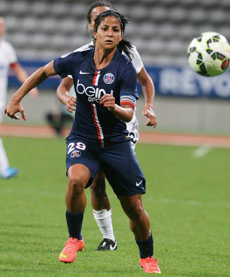 Cruz has spent her entire professional career in France's Ligue 1 Féminine, first at Lyon from 2006 to 2012 before moving to Paris Saint-Germain. She has won two UEFA Champions League titles, two French Cups and six Ligue 1 titles, as well as scoring 18 goals in 29 caps for the Ticos.