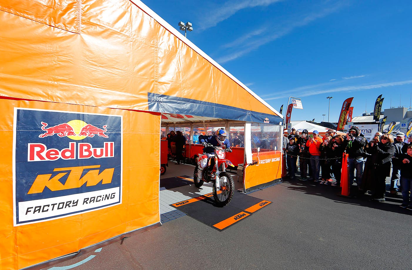 Dungey heads to a practice run.