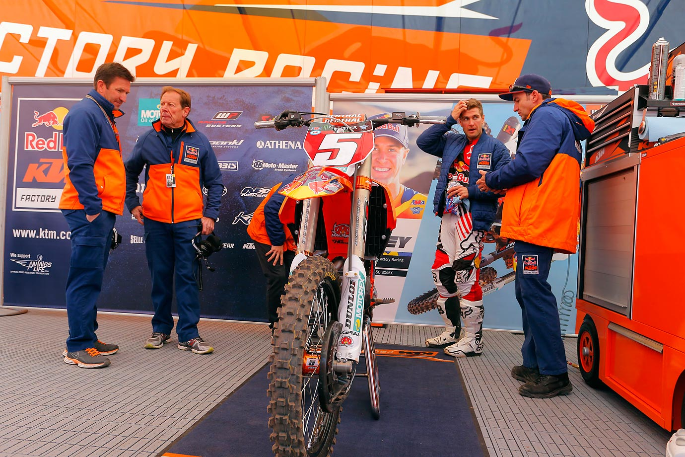 The KTM Team discusses strategy before Saturday's race.