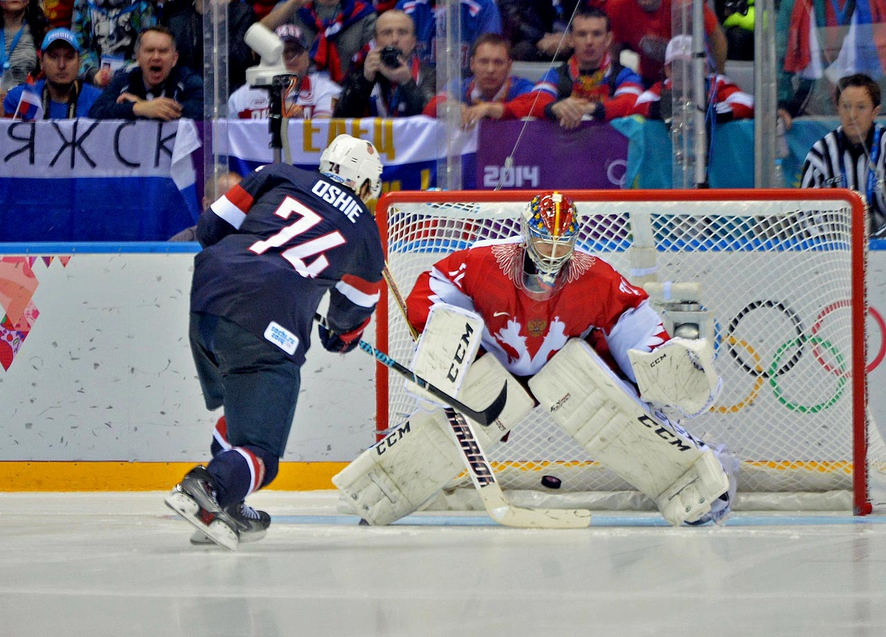 TJ Oshie hits 4-of-6 shootout goals to propel the US men's hockey team to a win over Russia.