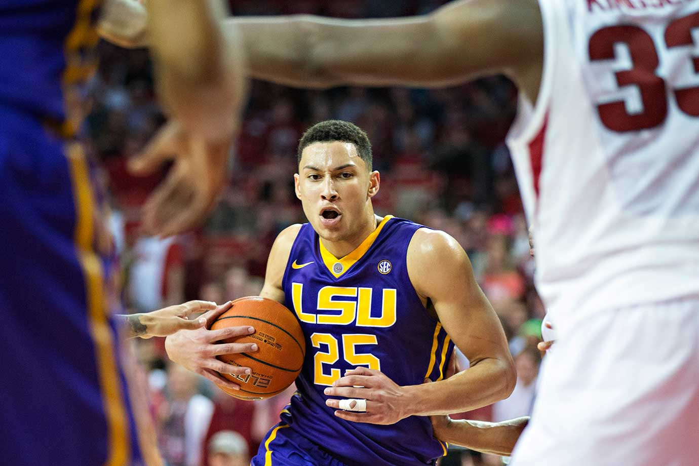 Ben Simmons of the LSU Tigers drives to the basket against the Arkansas Razorbacks during an 85-65 loss.