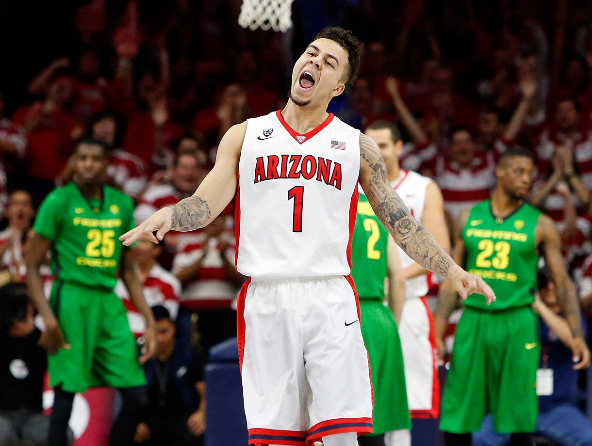 Arizona guard Gabe York reacts after hitting a 3-pointer against Oregon in Tucson, Ariz.