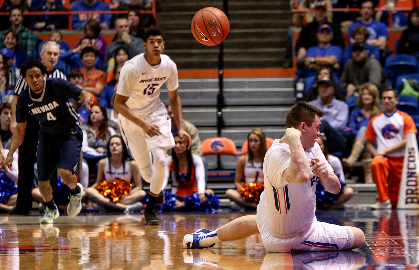 Nick Duncan of Boise State saves a loose ball during a 76-57 win over Nevada.