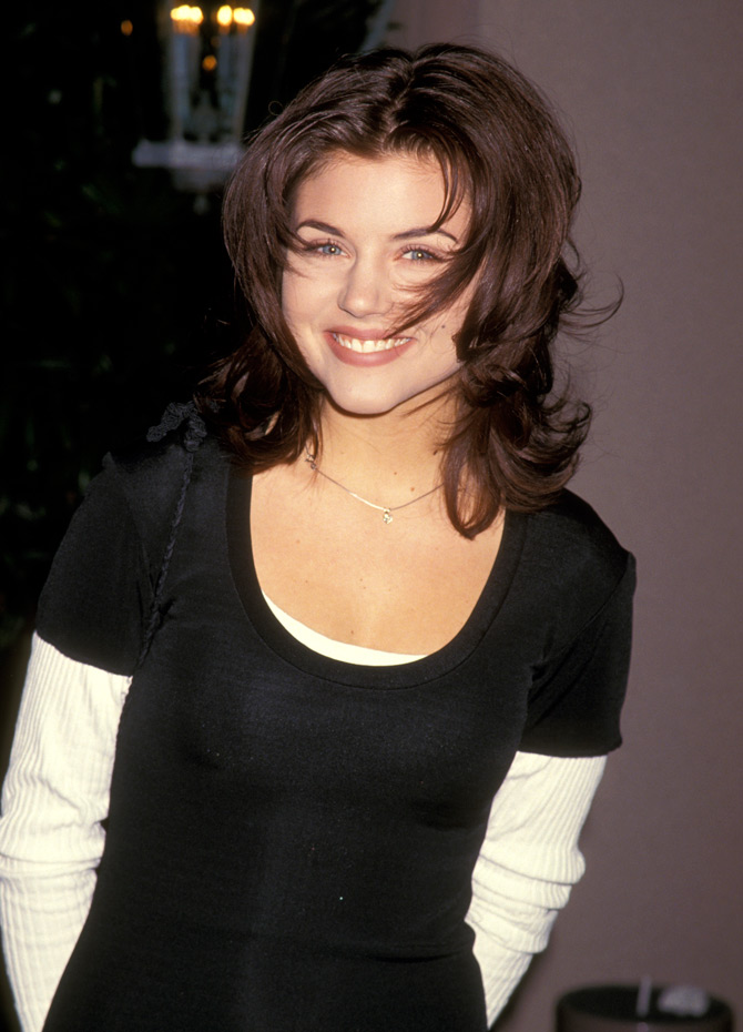 Thursday's PM Hot Clicks: Tiffani Thiessen, Seahawks fan ...