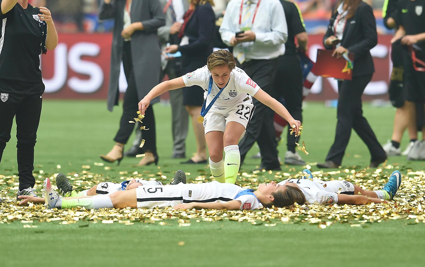 The U.S. women celebrate their 5-2 World Cup victory over Japan.