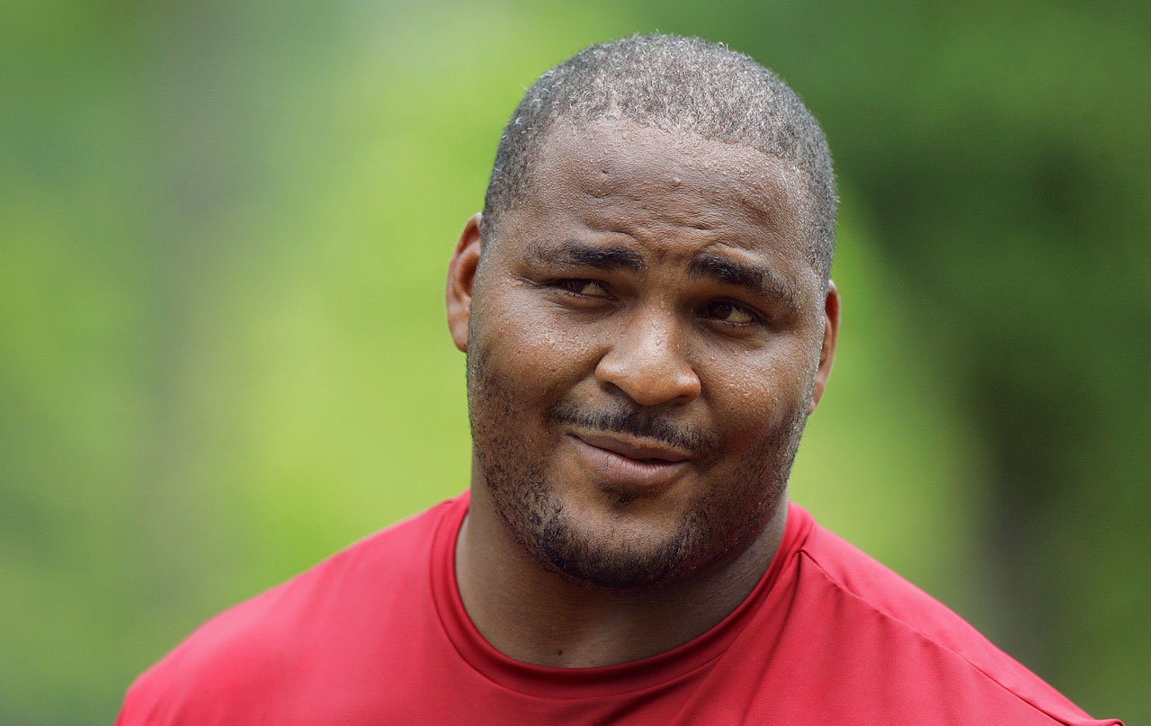 Walter Jones, Seattle Seahawks' great, heads to Pro ...