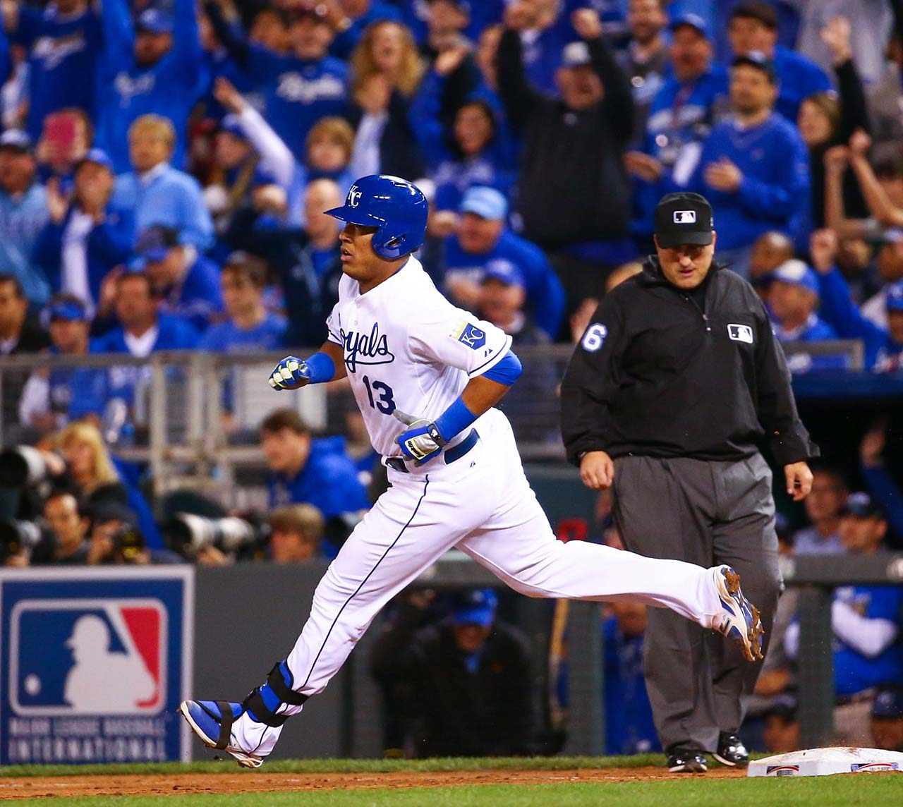 Salvador Perez rounds the bases after hitting a solo homer to put Kansas City on the scoreboard.