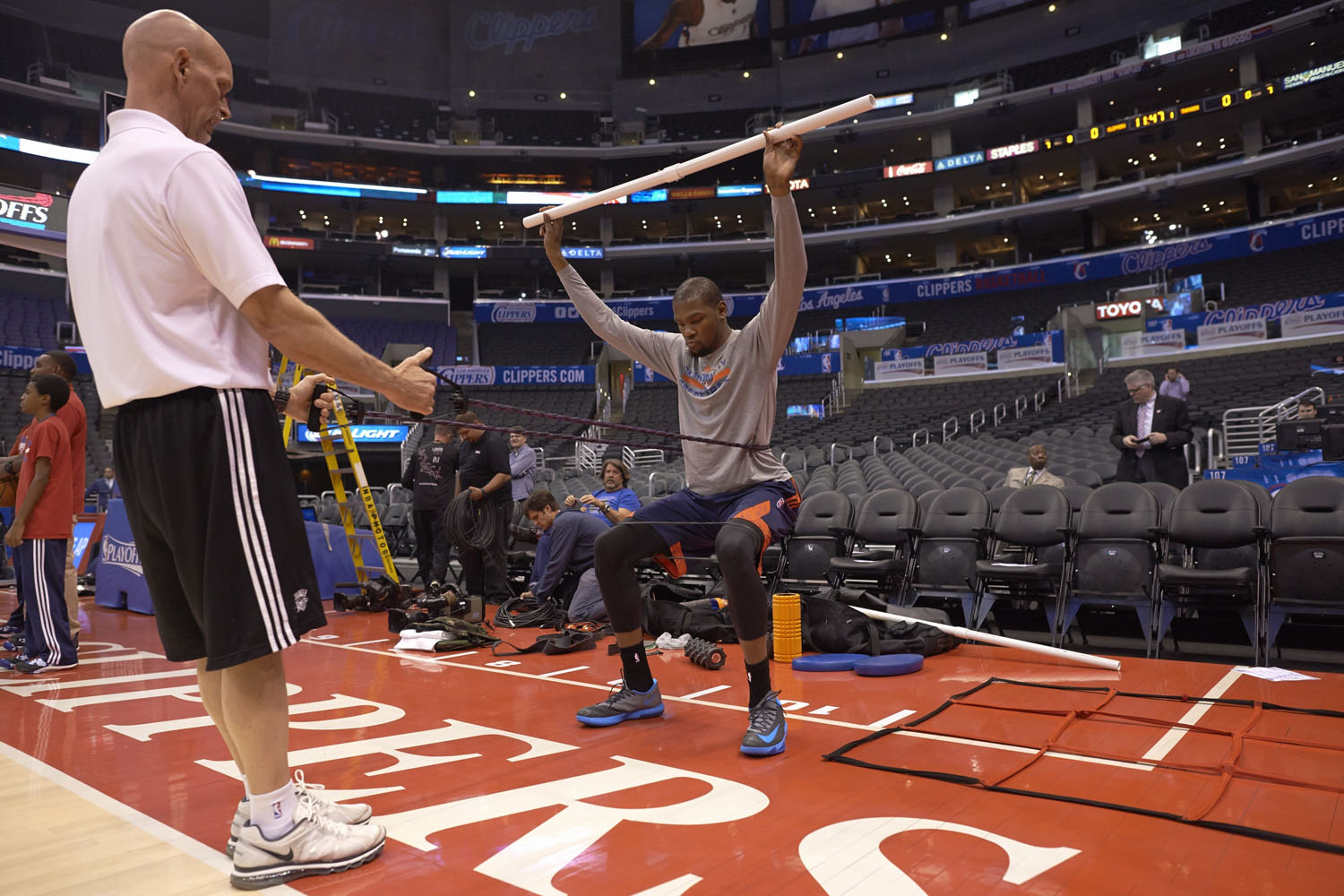 Kevin Durant works out before a game against the Los Angeles Clippers in the 2014 NBA Playoffs.
