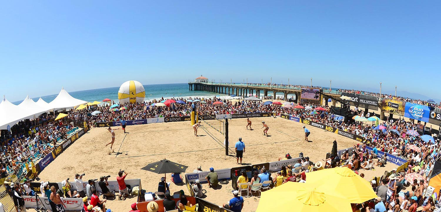 The stadium court and the Manhattan Beach Pier under a flawless Southern California sky. The largest AVP crowd of the year soak it all in.