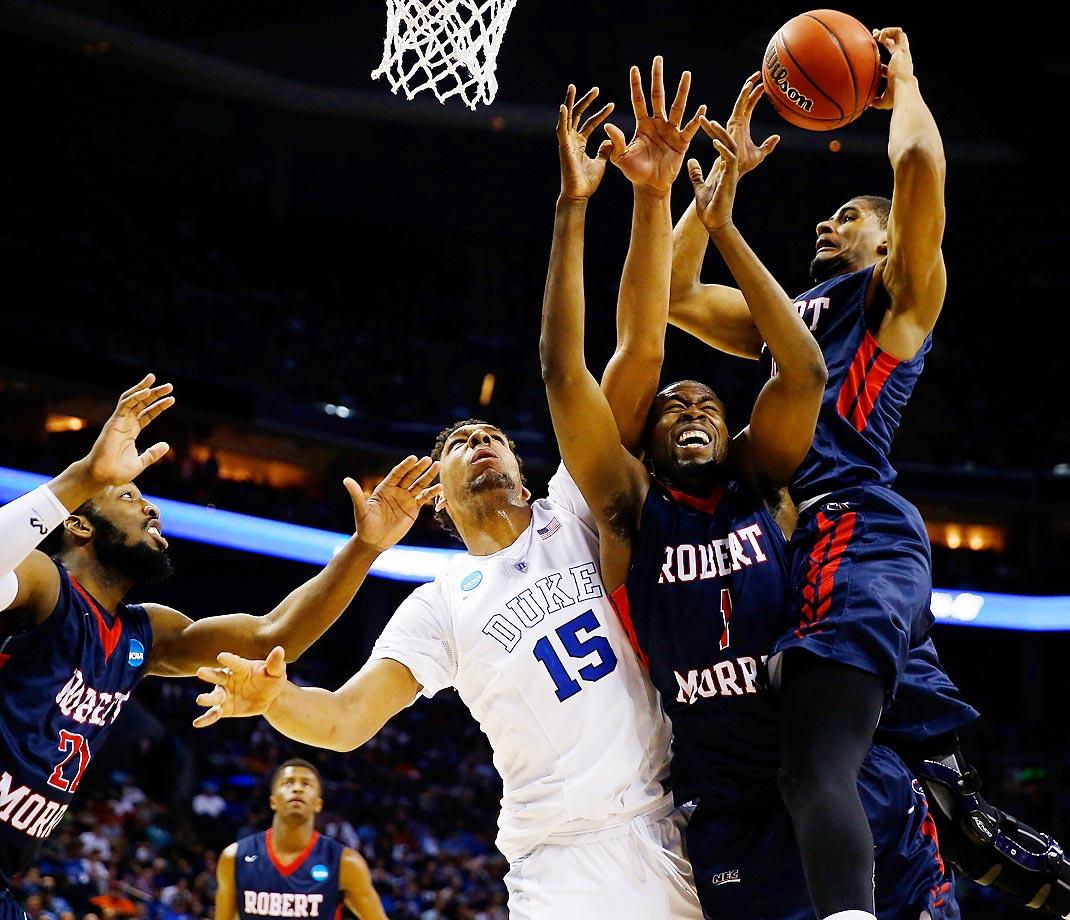 Duke and Robert Morris players during the NCAA tournament.