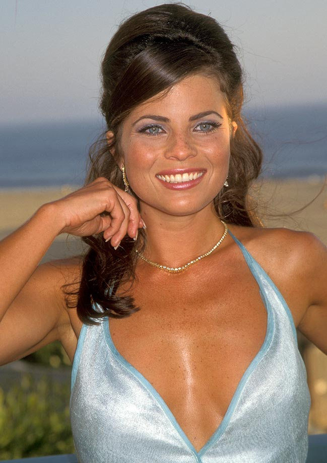 Yasmine Bleeth Photo: Baywatch Star Makes First Appearance ...