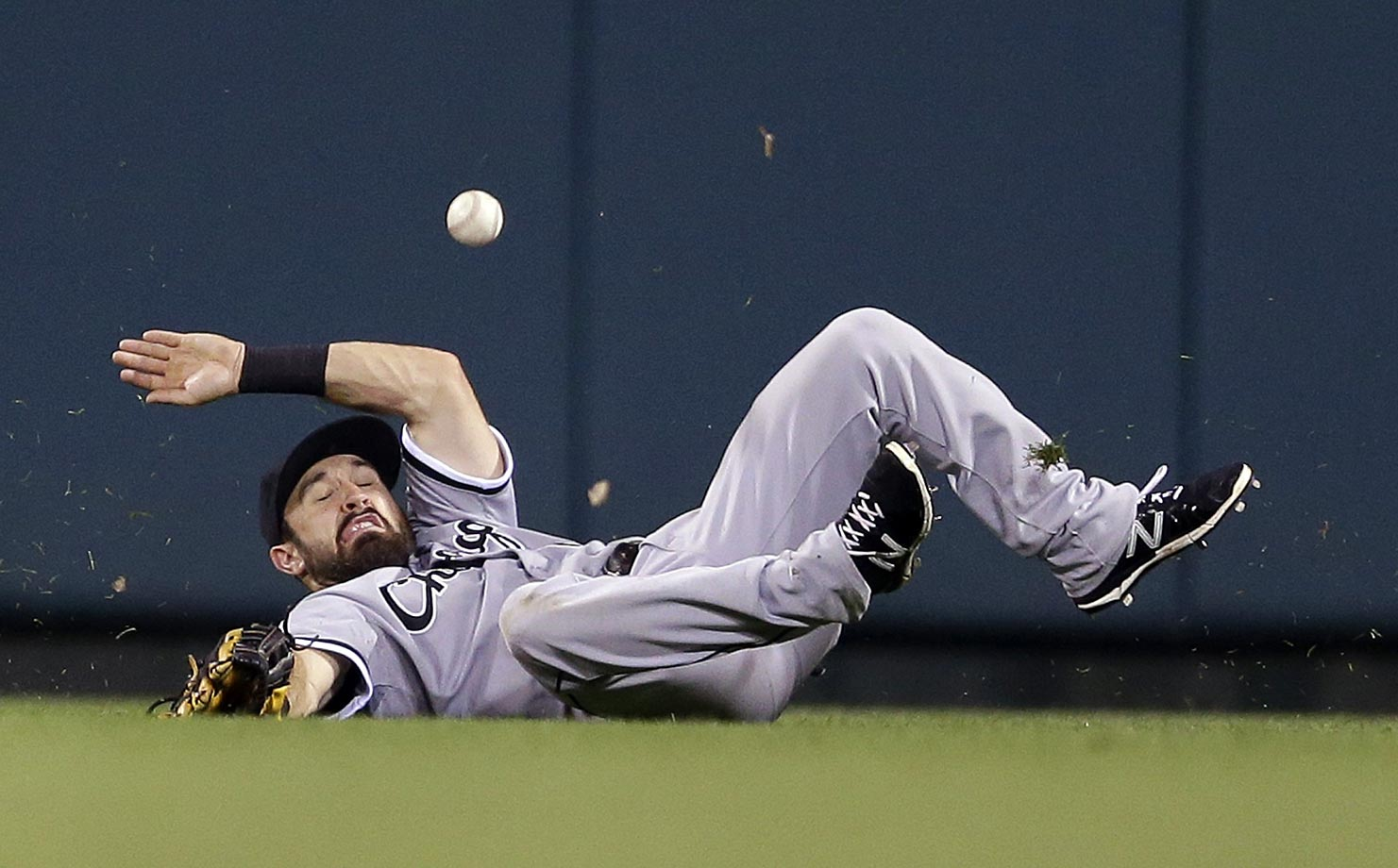 Adam Eaton of the Chicago White Sox lost his footing on this play, allowing Mark Reynolds of the Cardinals a triple.