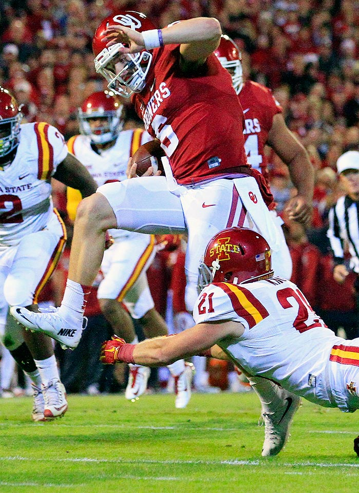 Oklahoma 52, Iowa State 16: Baker Mayfield led the Sooners to a comfortable win over Iowa State with 342 yards passing and four total touchdowns. Led by Samaje Perine and Joe Mixon, Oklahoma's rushing attack gained 279 yards on the ground.
