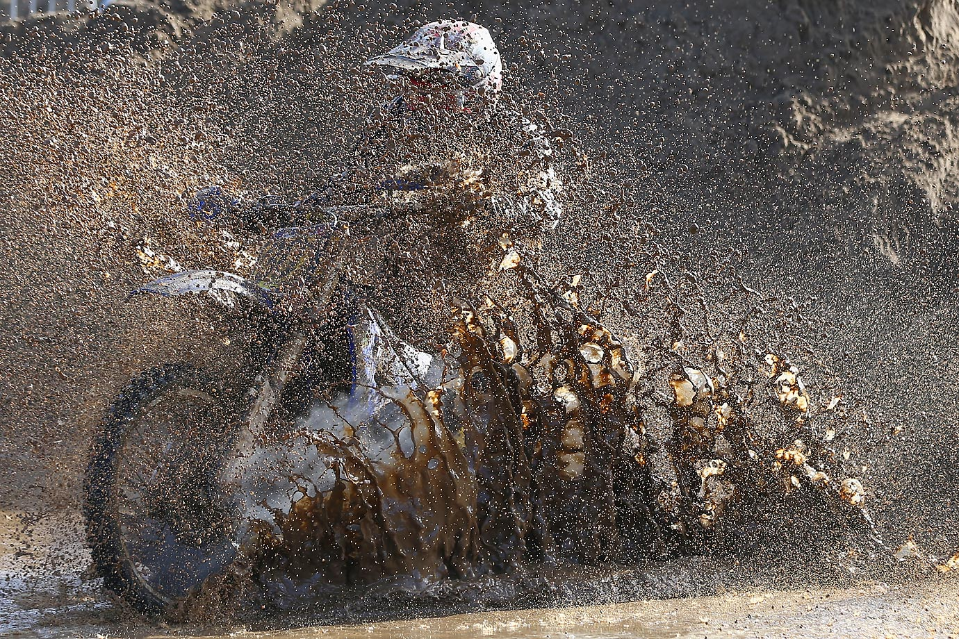 A competitor ploughs through heavy conditions at the RHL Weston Beach Race.
