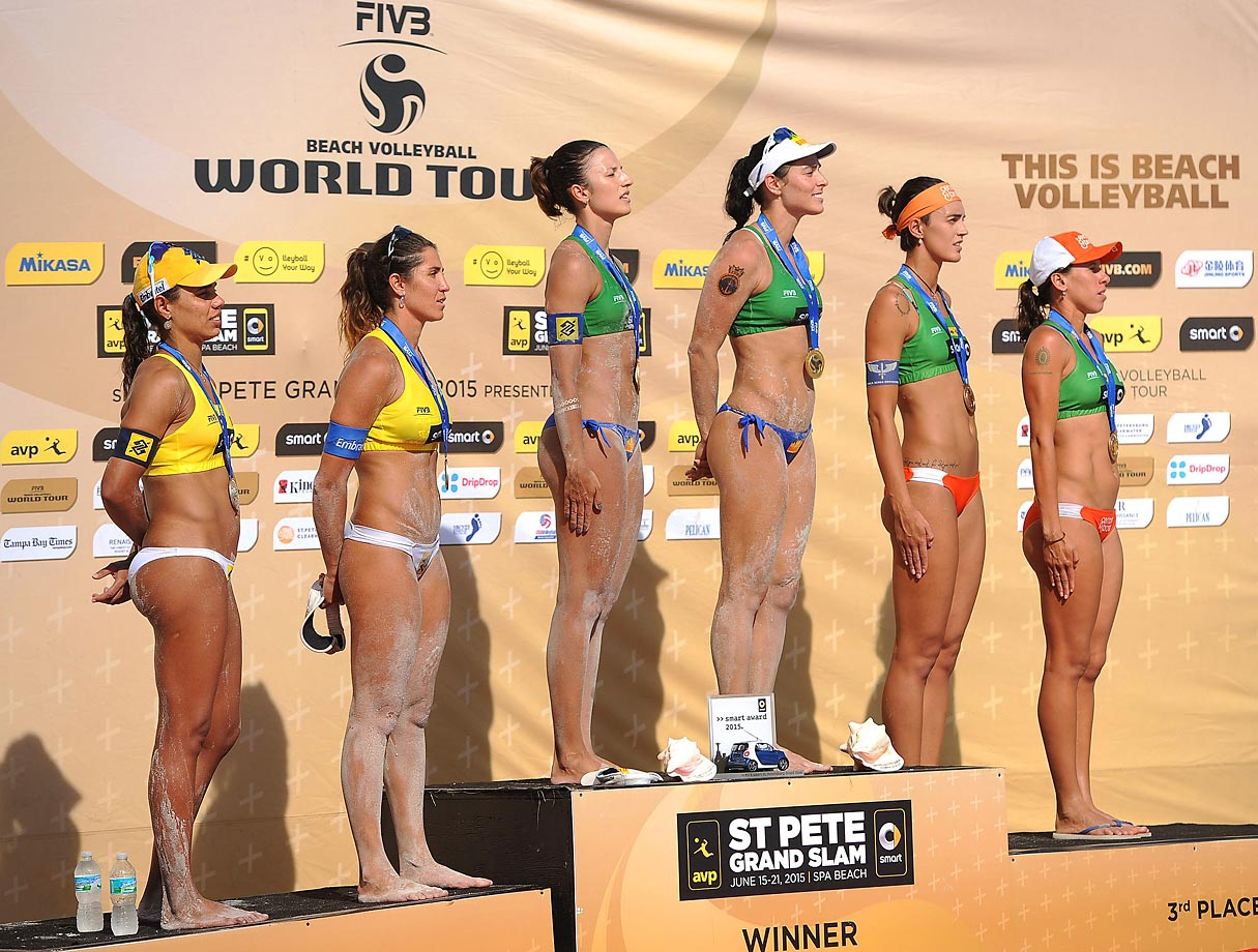 General shot of the all-Brazilian winners podium (from left): Silver medalists Juliana Felisberta and Maria Antonelli, gold medalists Agatha Bednarczuk and Barbara Seixas and bronze medalists Fernanda Alves Berti and Taiana Lima.