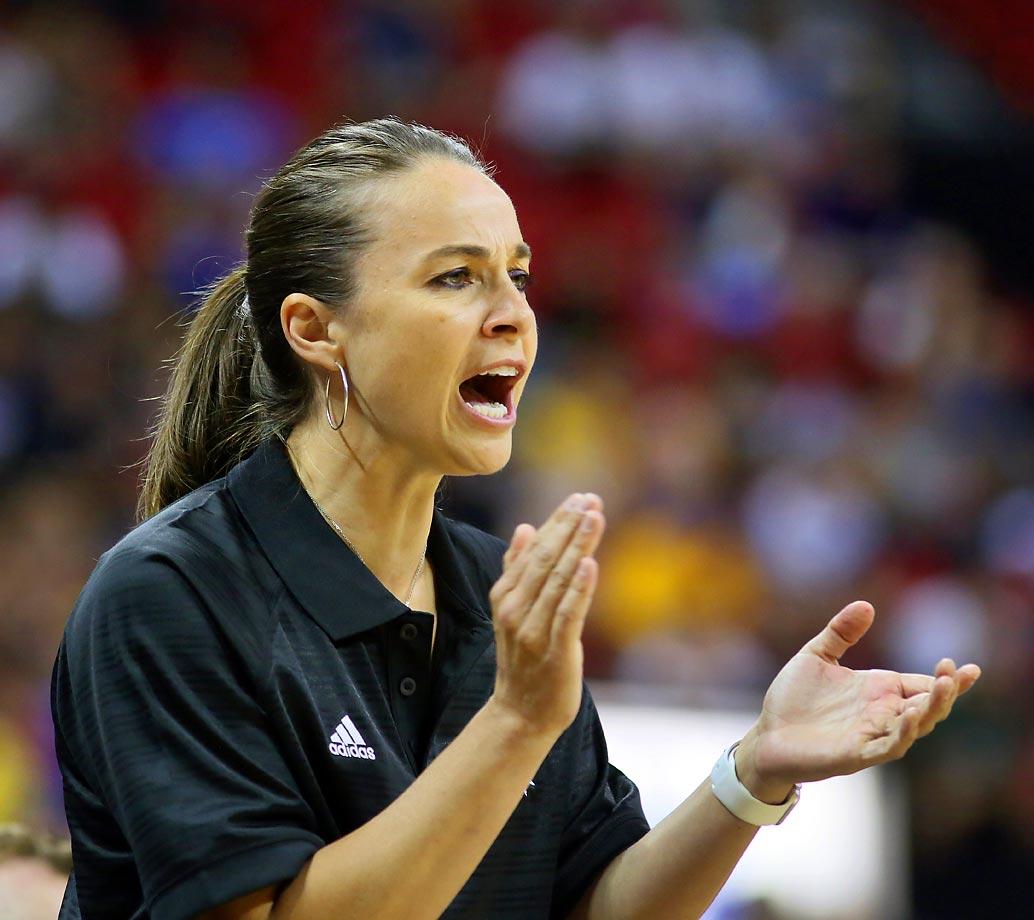 Spurs' Becky Hammon leading revolution for women in men's ...