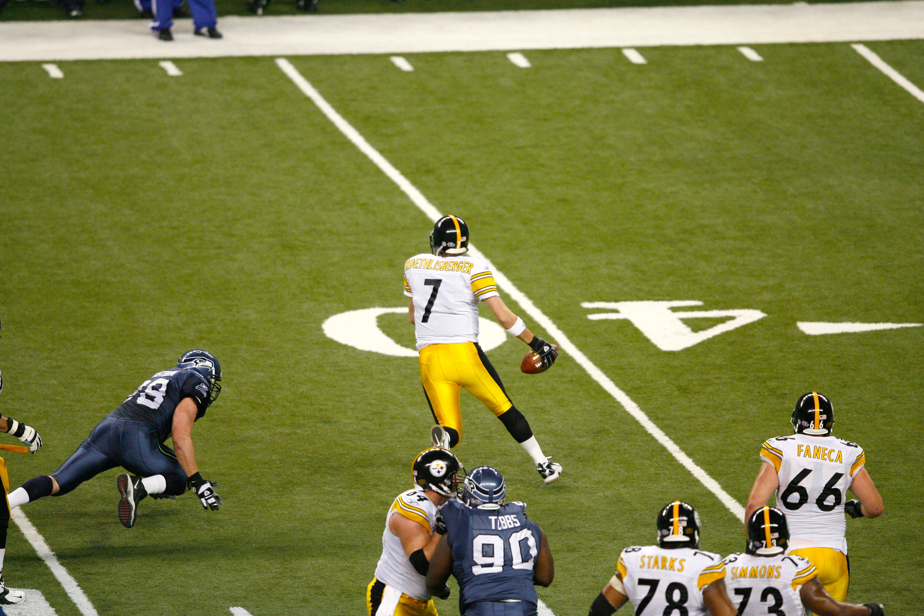Big Ben finds open space toward the sideline.