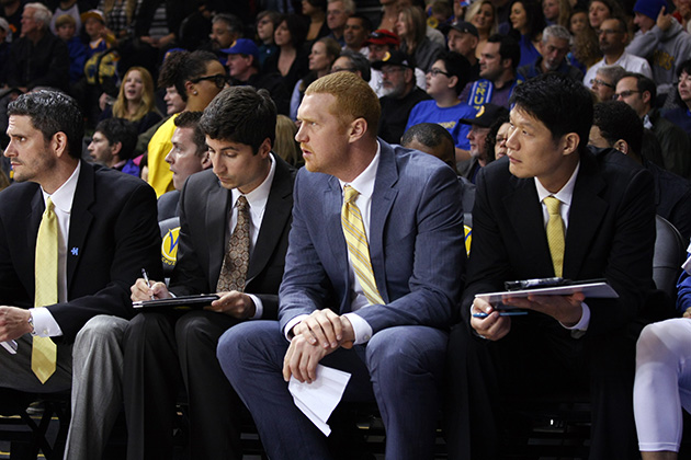 Scalabrine working as an assistant coach, watching the Santa Cruz Warriors from the bench against the Bakersfield Jam in April 2014.
