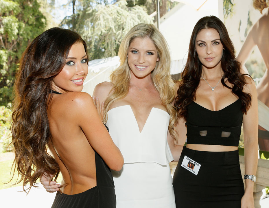Gemma Lee Farrell, Carly Lauren and Summer Altice :: Getty Images