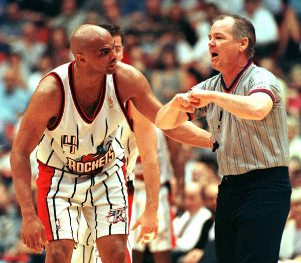 Charles Barkley and Joey Crawford :: Getty Images