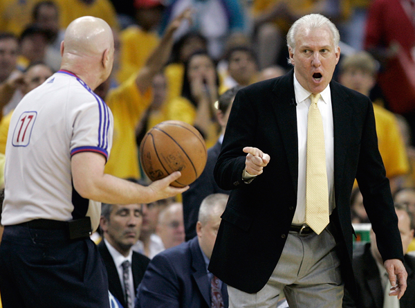 Gregg Popovich and Joey Crawford :: AP