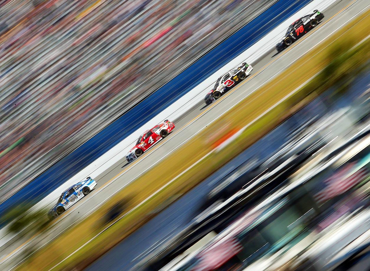 Dale Earnhardt Jr., driver of the No. 88 Nationwide Chevrolet, leads Kevin Harvick, driver of the No. 4 Budweiser and others during the 57th Annual Daytona 500.