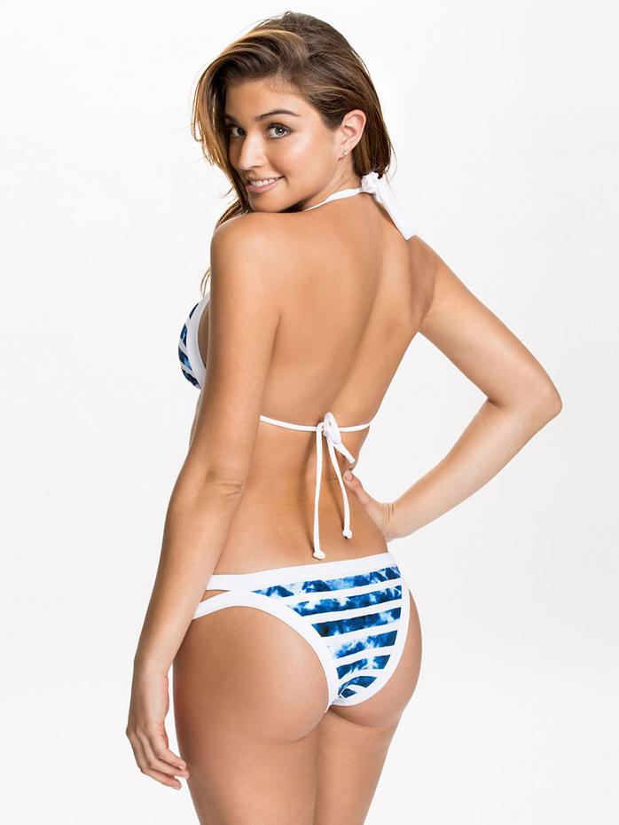 Daniela Lopez :: Courtesy of Nelly
