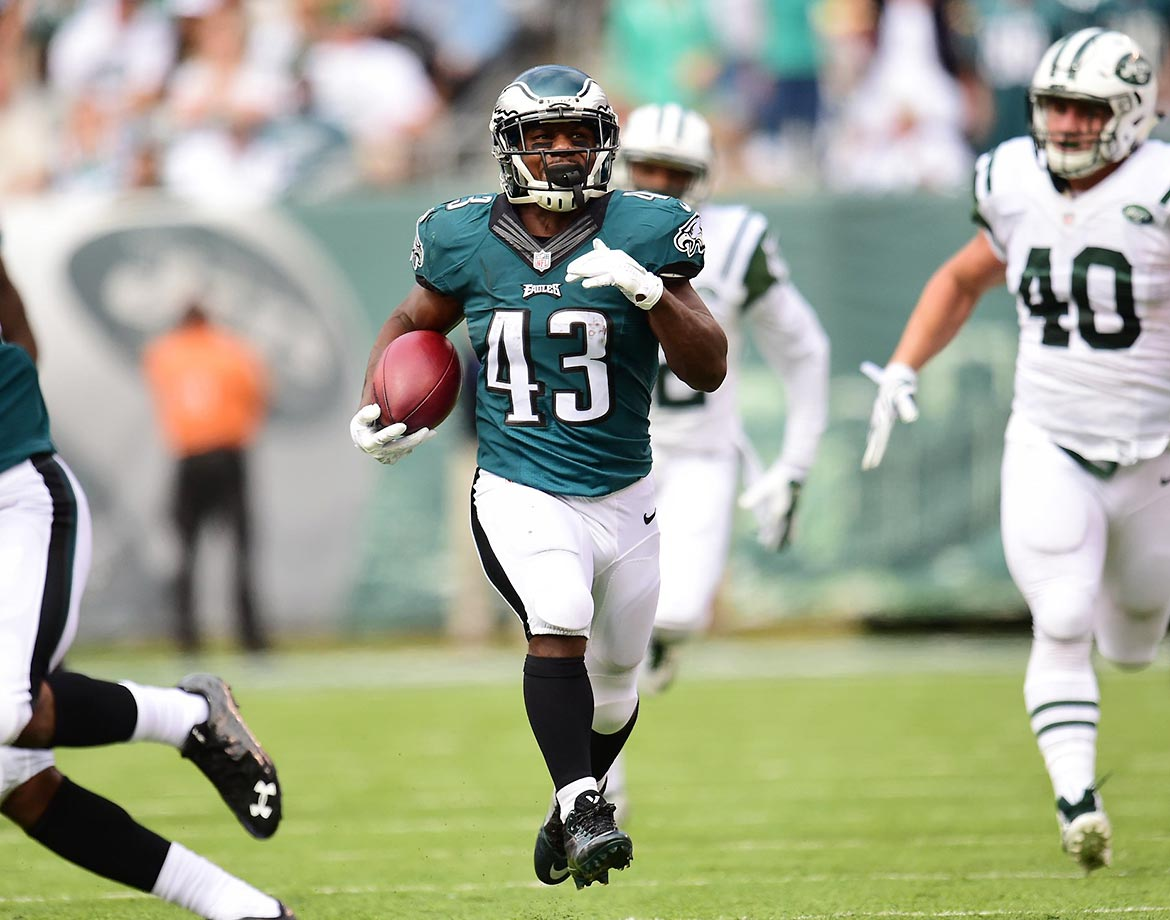 Darren Sproles showed off his versatility again in Week 13 of the NFL season, scoring on an 83-yard punt return. Across his 11-year career, he has scored in five ways—27 receiving touchdowns, 18 rushing TDs, seven punt return TDs, two kickoff return TDs and two two-point conversions.