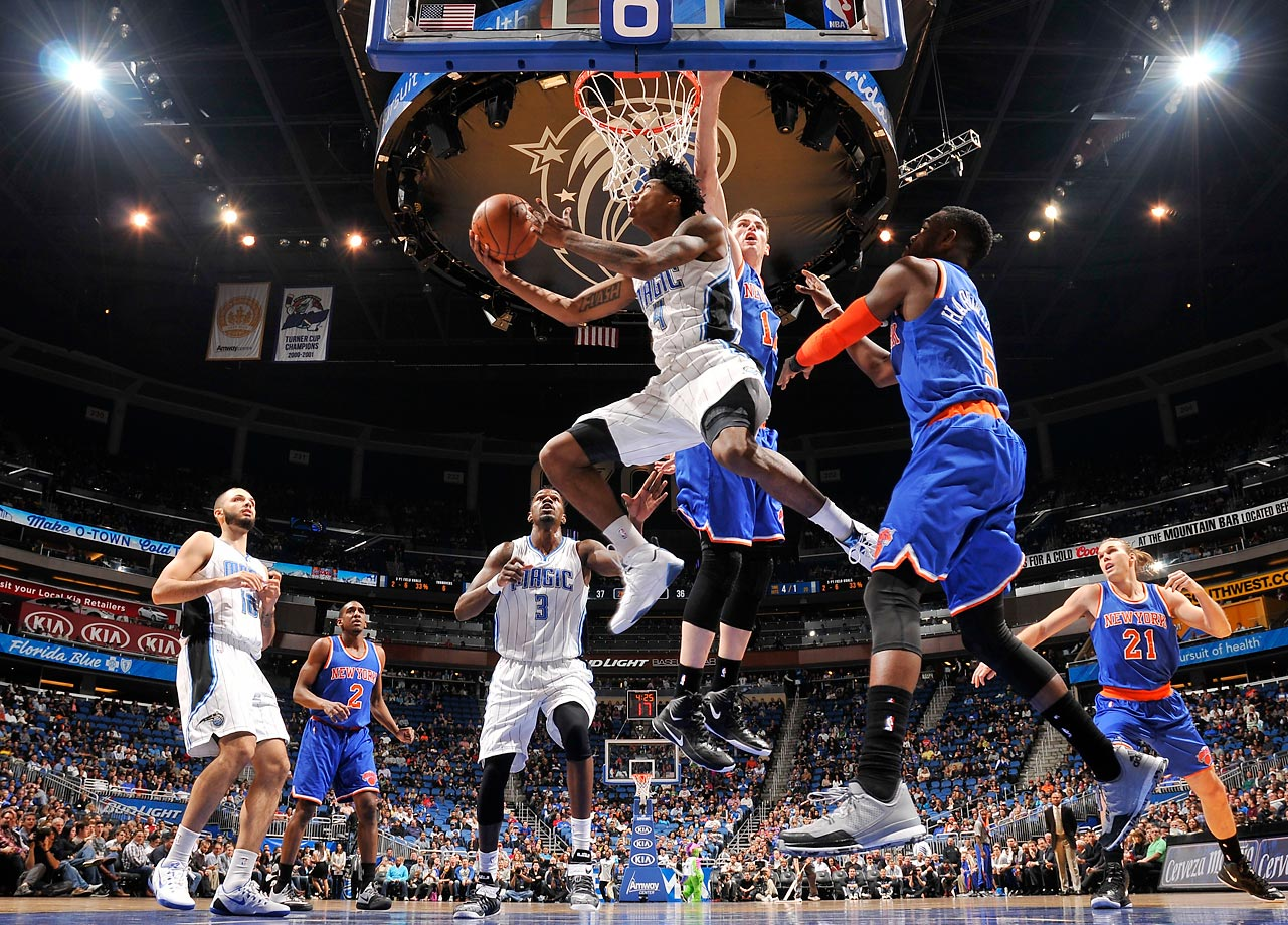 Elfrid Payton (4) of the Orlando Magic goes to the basket against the New York Knicks.