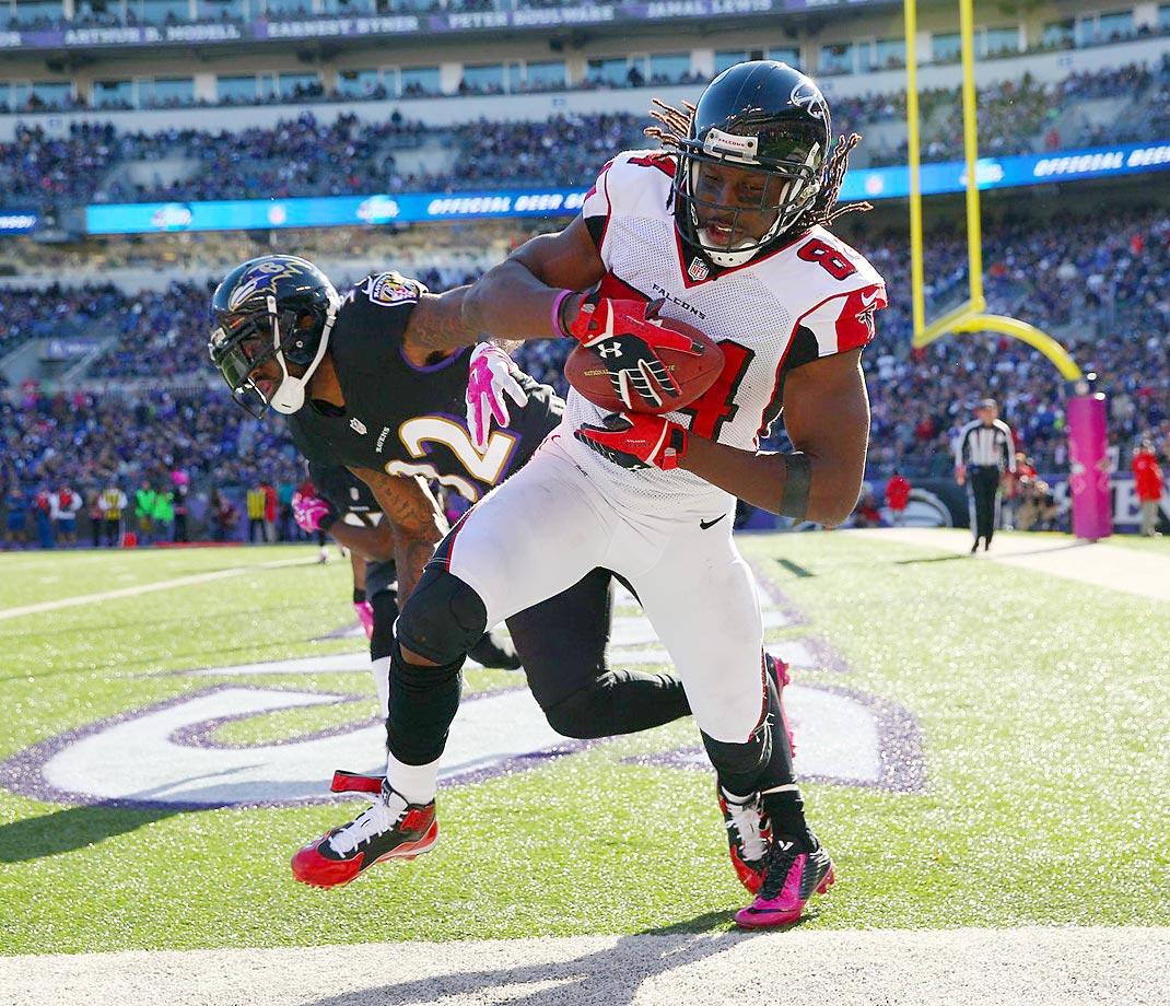 Atlanta Falcons receiver Roddy White scores a touchdown against the Baltimore Ravens. The Ravens won 29-7.