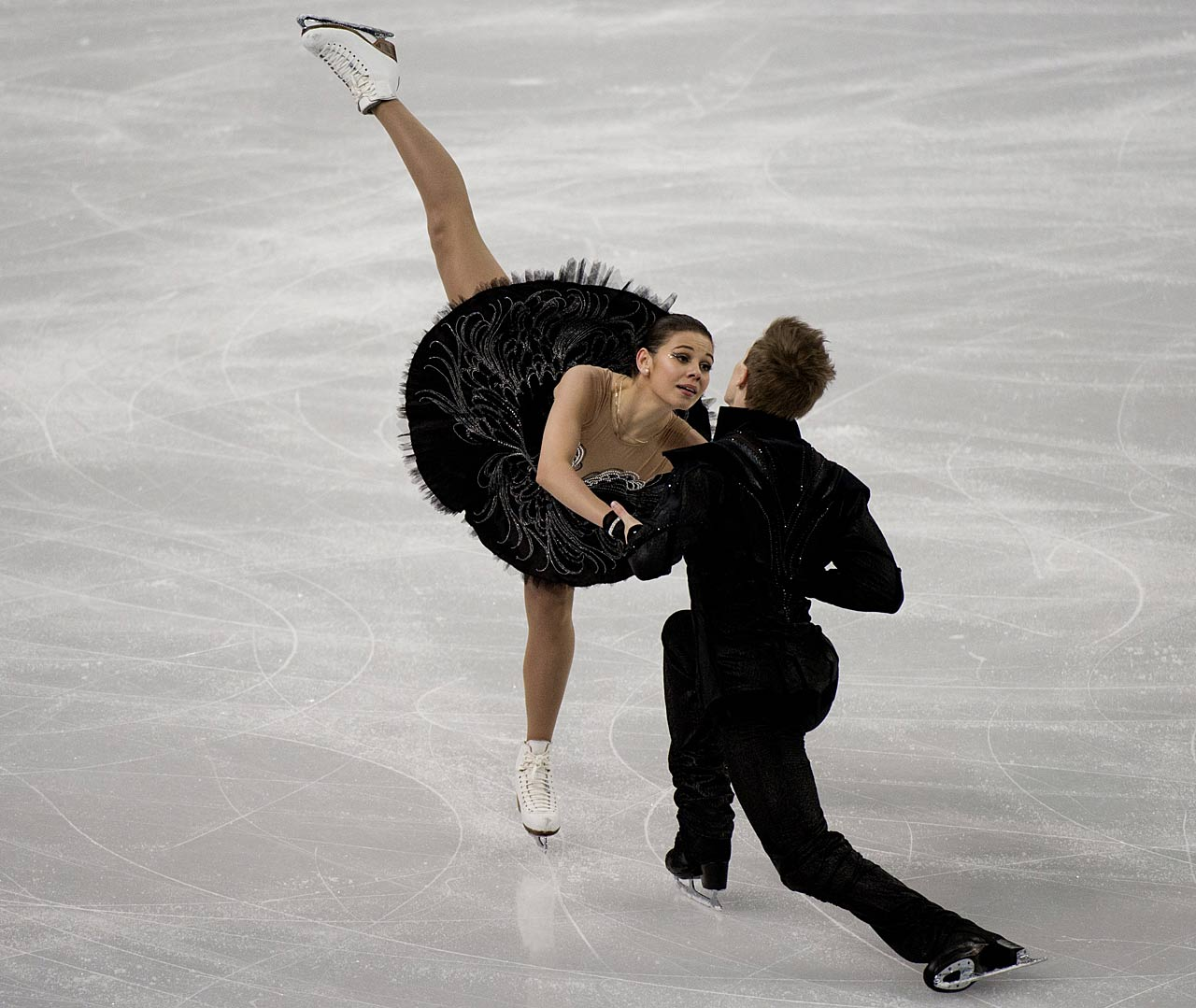 Elena Ilinykh and Nikita Katsalapov of Russia compete in the Team Ice Dance Free Dance.