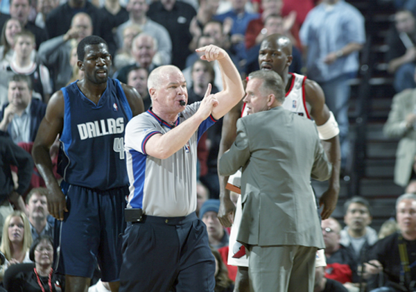 Michael Finley and Joey Crawford :: Getty Images