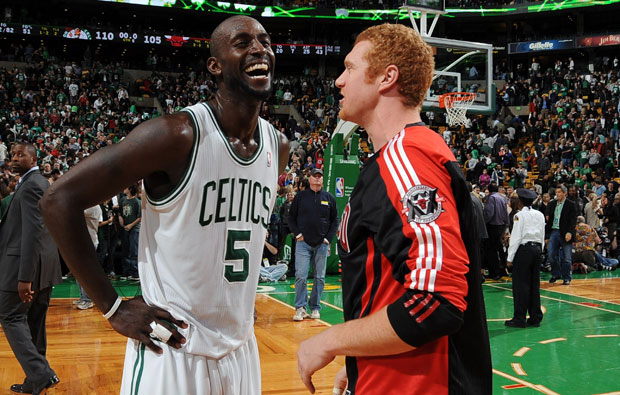 Kevin Garnett and Brian Scalabrine :: Getty Images