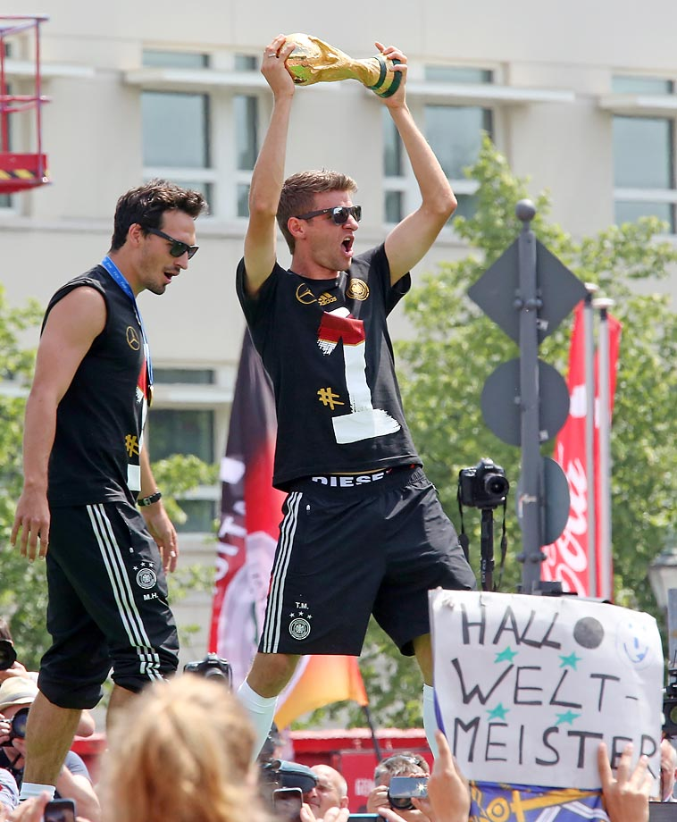 Mats Hummels and Thomas Mueller.