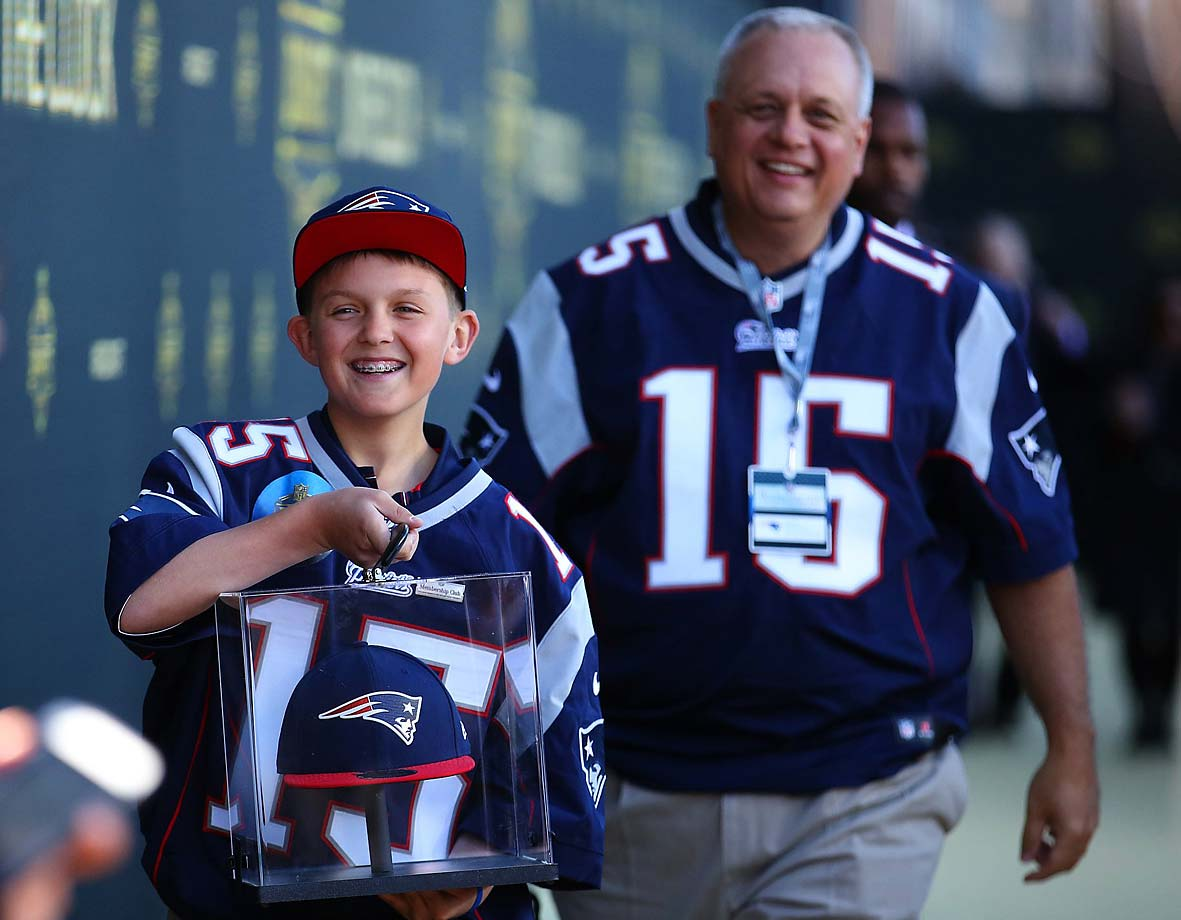 Two Patriots fans in Chicago.