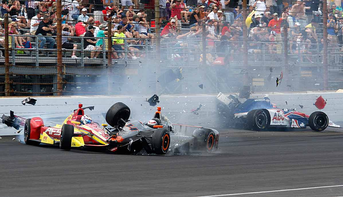 The Sebastian Saavedra-Stefano Coletti collision also took out Jack Hawksworth (right).