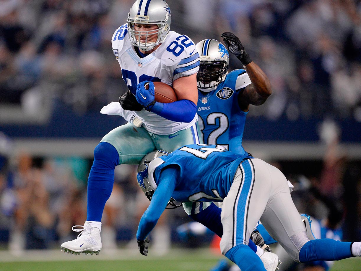 Witten broke Dallas defensive tackle Bob Lilly's team record of 196 consecutive games on Nov. 22, at Miami.