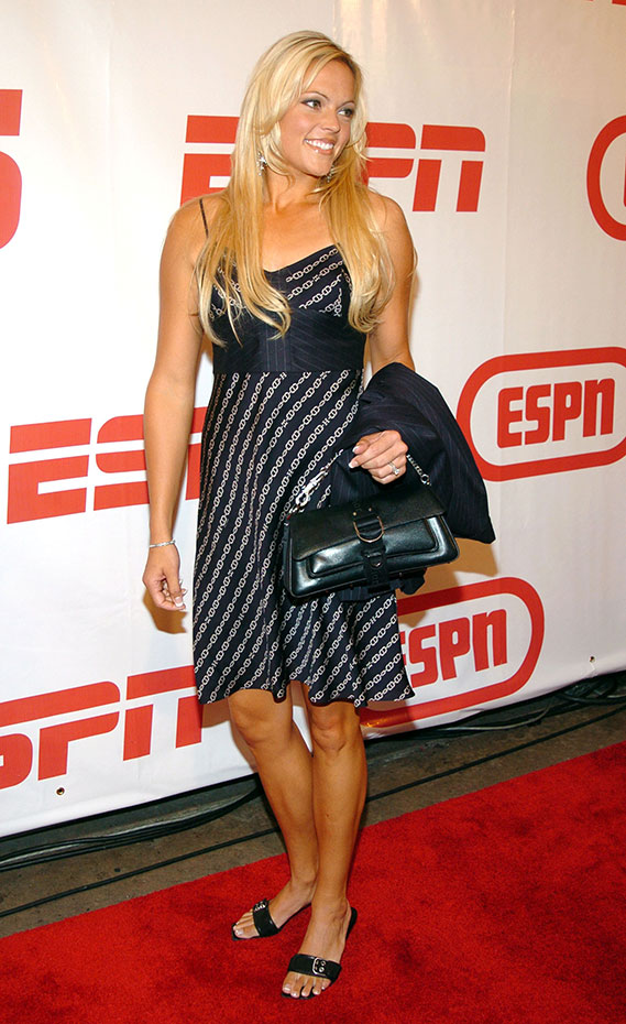 Jennie Finch :: Getty Images