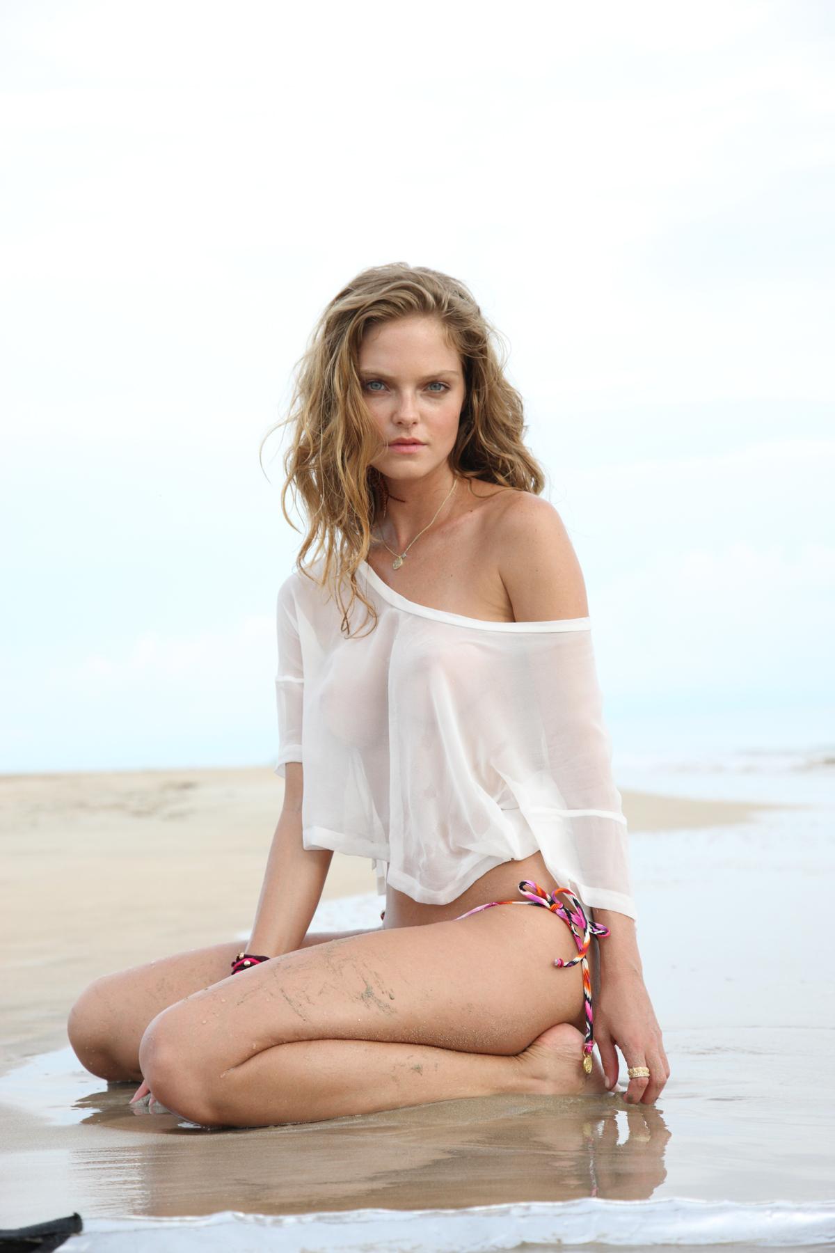 Jessica Perez in Panama, SI Swimsuit 2012
