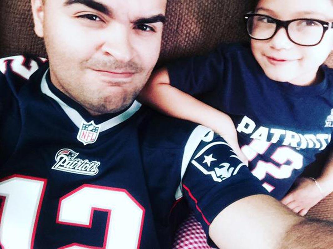 @SInow die hard @Patriots raised in attleboro MA been a fan since 1995 now my daughters a fan #myNFLFanStyle #TB12