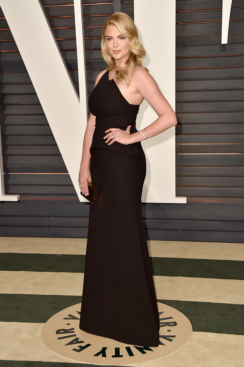 Kate Upton attends the 2015 Vanity Fair Oscar Party