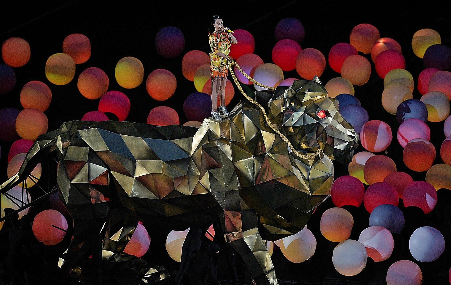 Katy Perry impressed the fans during the halftime show.