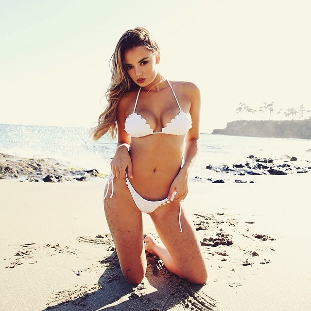 keleigh sperry lovely lady of the day si