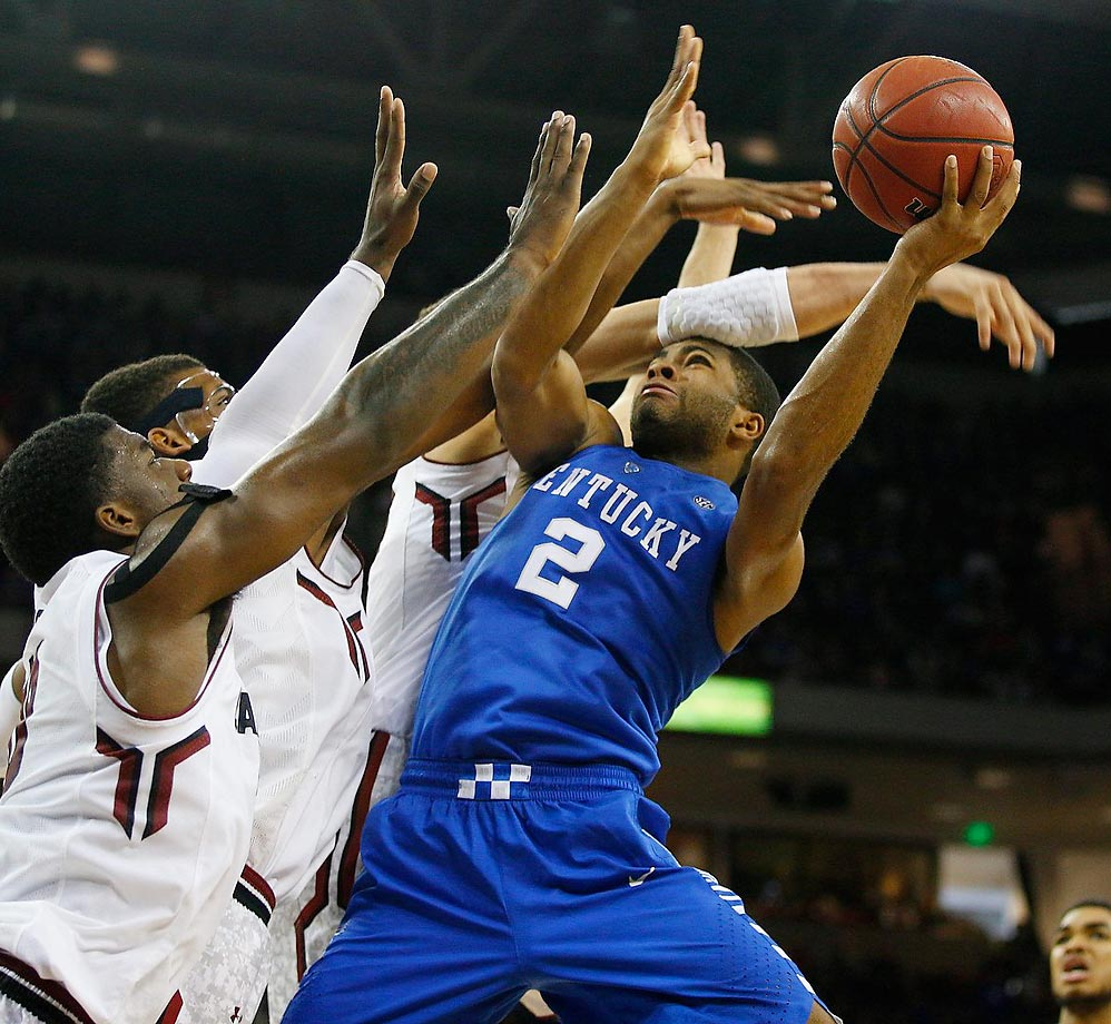 Kentucky Wildcats guard Aaron Harris appears to be losing the arms race against South Carolina.